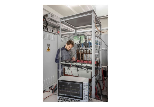 Design and testbench of the new SiC inverter stacks in Fraunhofer ISE laboratories. Image used courtesy of Fraunhofer ISE.