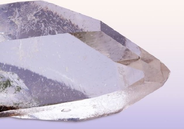 A quartz crystal, composed of silicon and oxygen (SiO2).