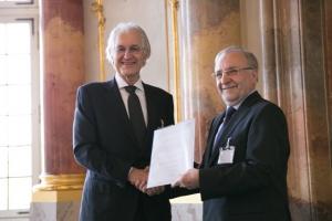 Prof. Leo Lorenz received the Ernst Blickle Award