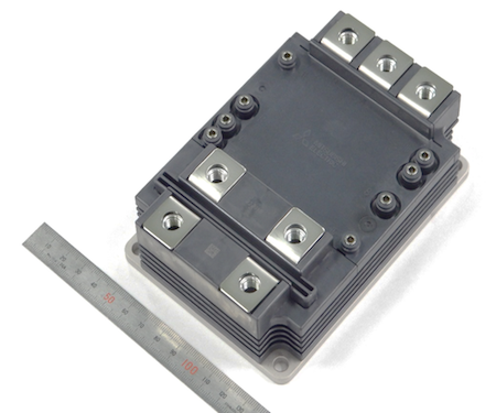 Figure 1: 3.3 kV / 750 A Full SiC module in the LV100 package