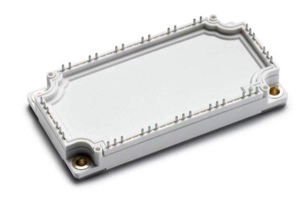 Exemplary E3 power module for a 60-kW solar inverter on IGBT basis (footprint: 62 mm x 122 mm)