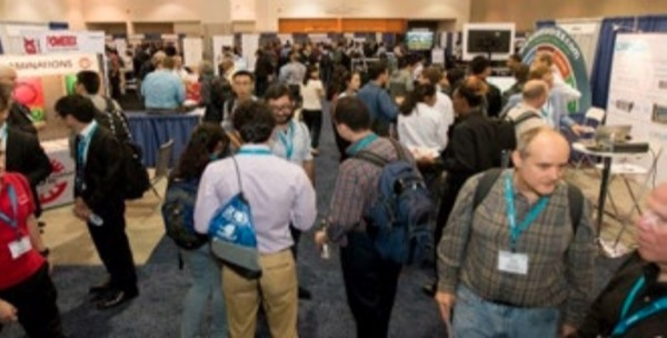 ECCE attendees enjoy the exhibit hall reception.