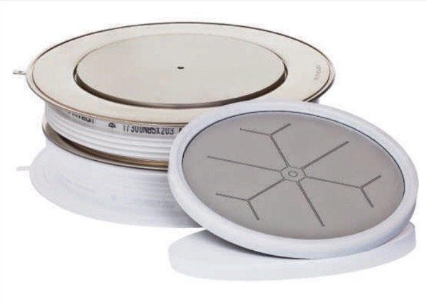 New 8.5 kV 6-inch electrically triggered thyristor with 135 mm pole piece